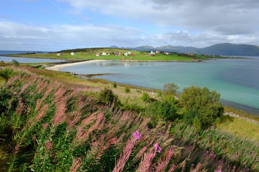 Entre les îles et le continent quelque part en Norvège