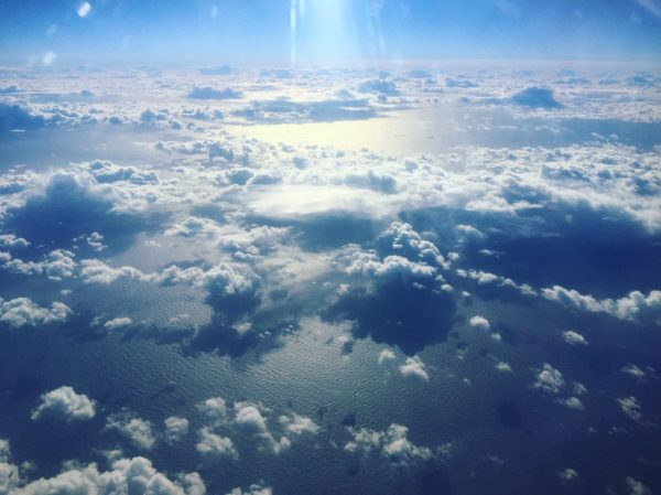 Photo prise d'un hublot lors d'un vol transatlantique sur XL Airways
