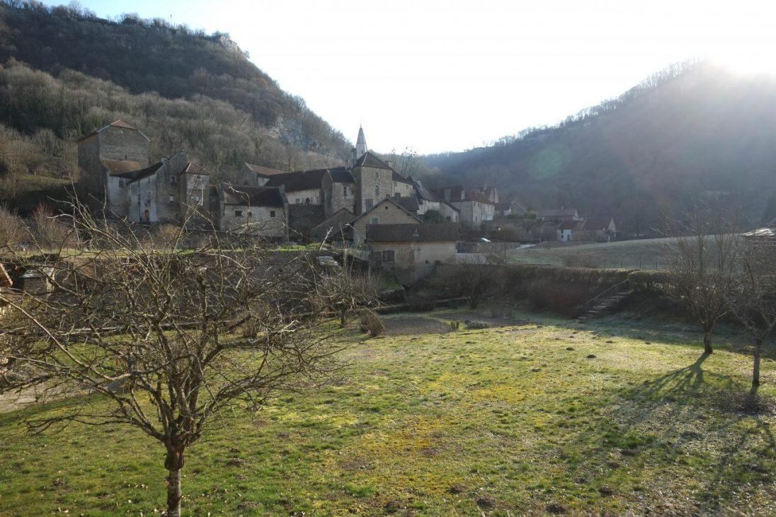 Baumes les Messieurs l'un des plus beaux villages de France