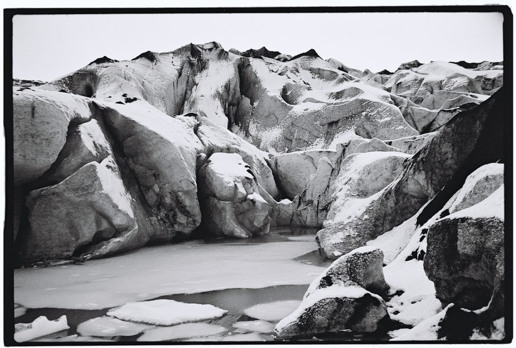 Ce glacier recul de presque un kilomètre tous les ans, c'est catastrophique