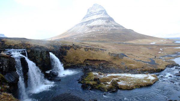 La montagne de Kirkjufell sur la péninsule de Snaefellsnes