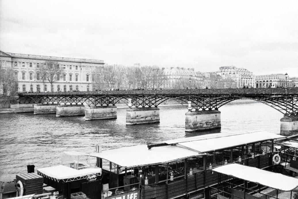 La Seine et le pont des arts à Paris
