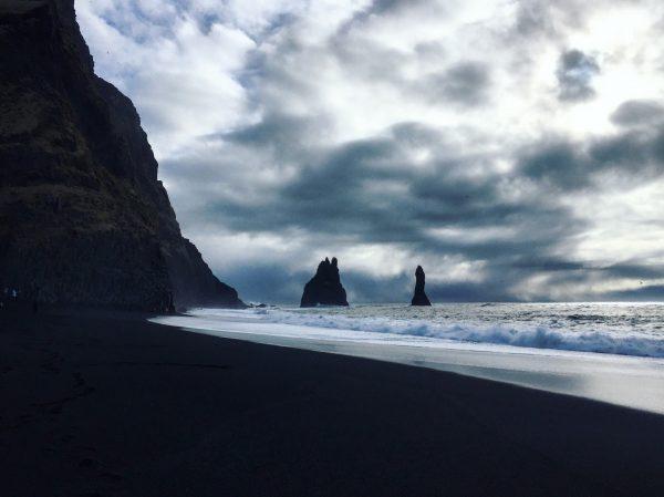 Non loin de Vik, à la découverte des plages de sable noire
