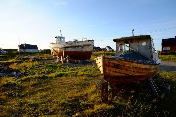 Des bateaux dans l'extrême nord de la Norvège