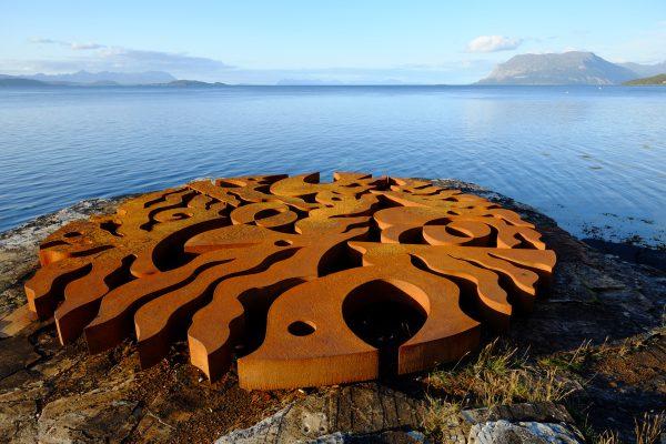Une oeuvre d'art découverte par hasard en Norvège