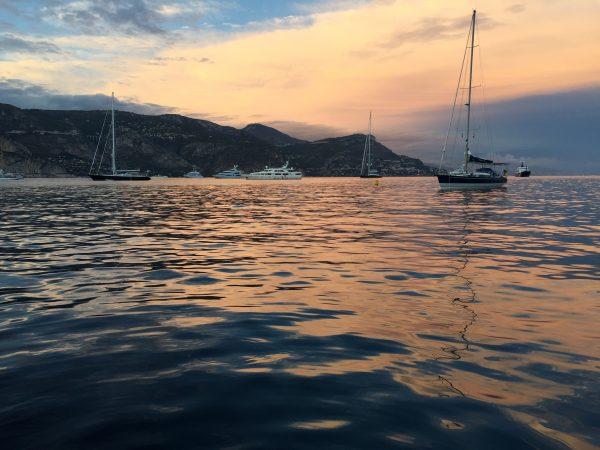 La mer Méditerranée et la baie Saint-Jean Cap Ferrat