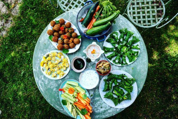 L'autonomie alimentaire illustrée lors d'un repas