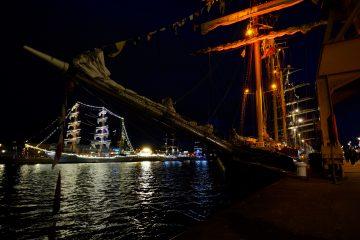 Rouen la nuit et les vieux gréements