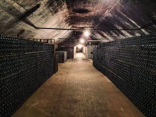 Crouttes sur Marne, une superbe cave à Chamapagne dans l'Aisne