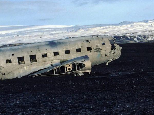 L'épave du DC3 de l'armée américaine