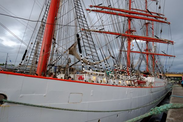 Un navire russe lors de l'Armada de Rouen