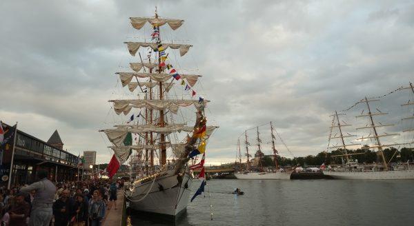 Un navire mexicain à quai