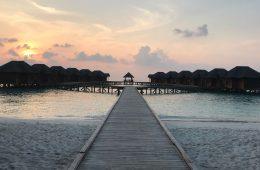 Les Maldives à la tombée du jour