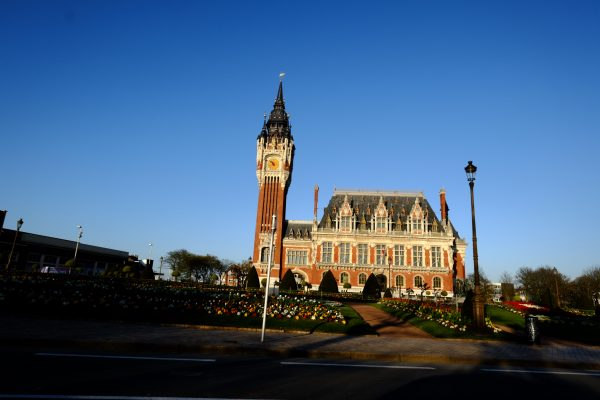 La mairie et le Beffroi de Calais