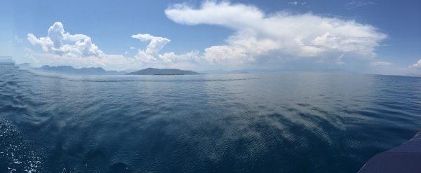 En mer Egée entre Poros et Athènes