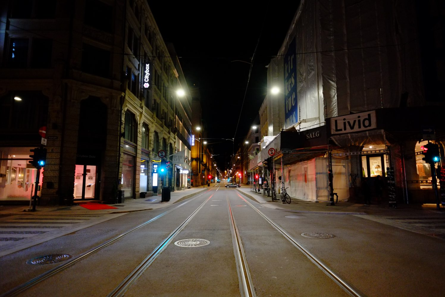 Les rues d'Oslo la nuit