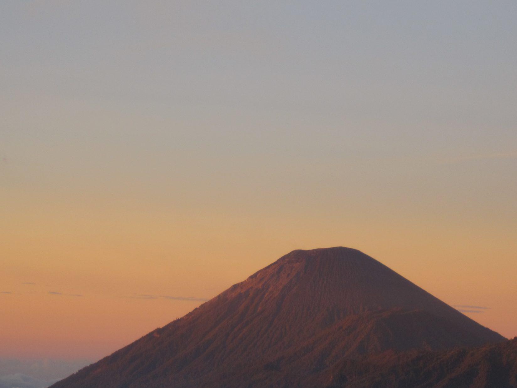 L'un des plus beaux volcans d'Indonésie