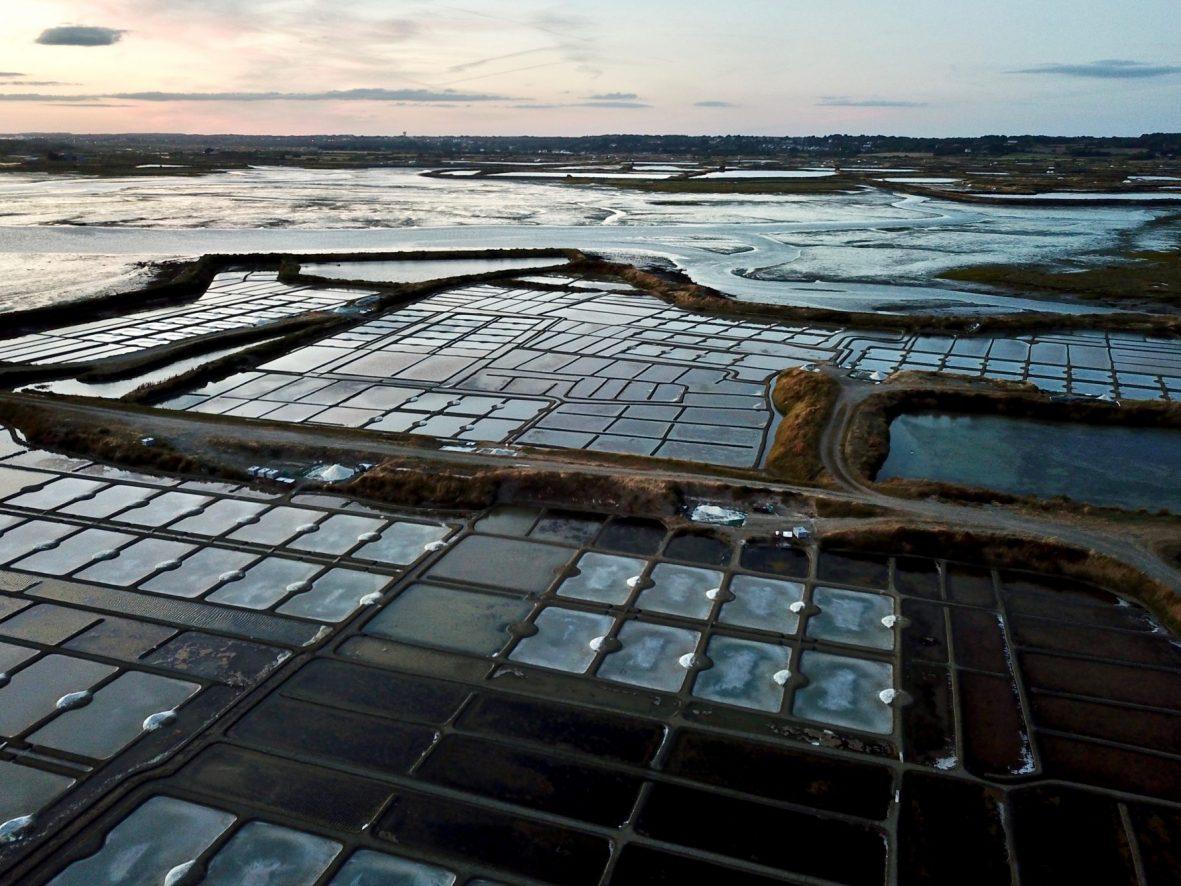 Une vue aérienne des marais Salants de Guérande