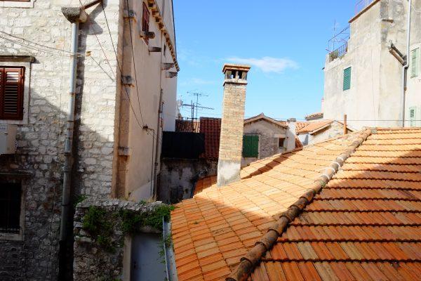 Vue sur les toits de Sibenik