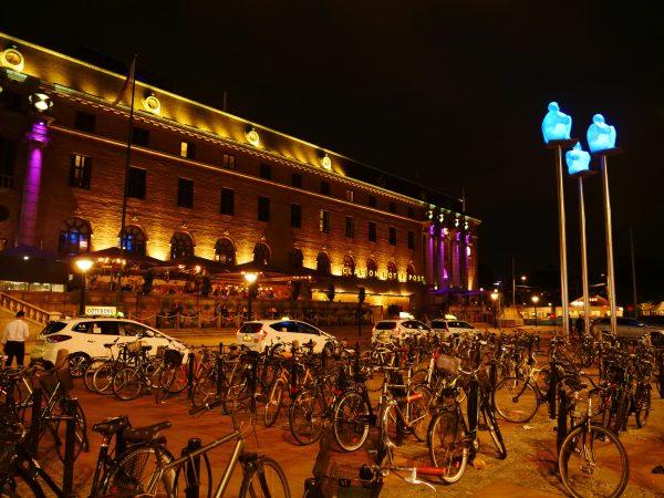 Dans le centre de Göteborg à la fin de l'été