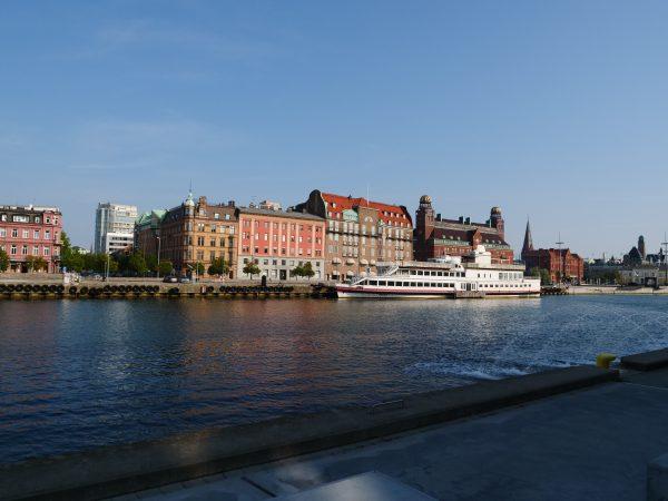 La gare ferroviaire et le port de Malmö