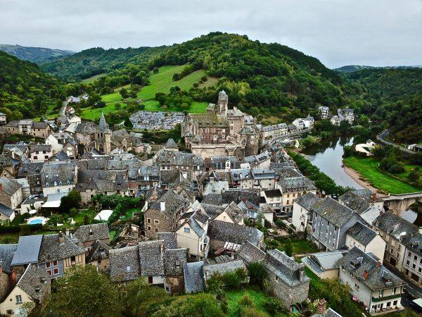 Estaing dans le département de l'Aveyron