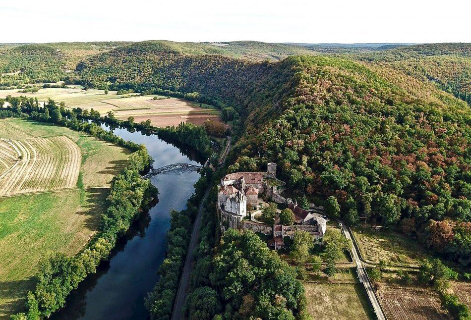 Le Lot et l'un des plus beaux châteaux de la vallée du Lot