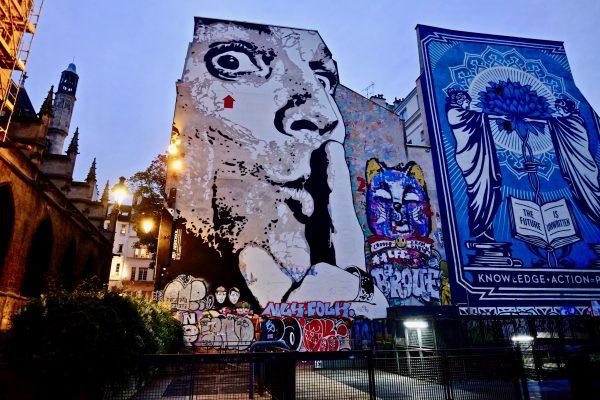 Juste à côté de Beaubourg la fresque de Jef Aerosol