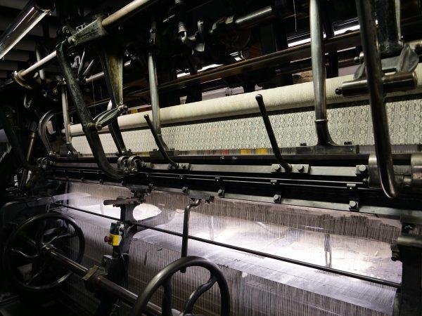 Une machine à tisser la dentelle