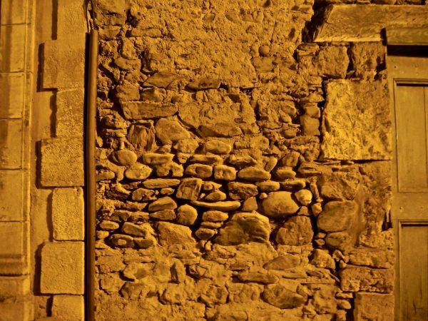 Des murs mis à nu par l'épreuve du temps