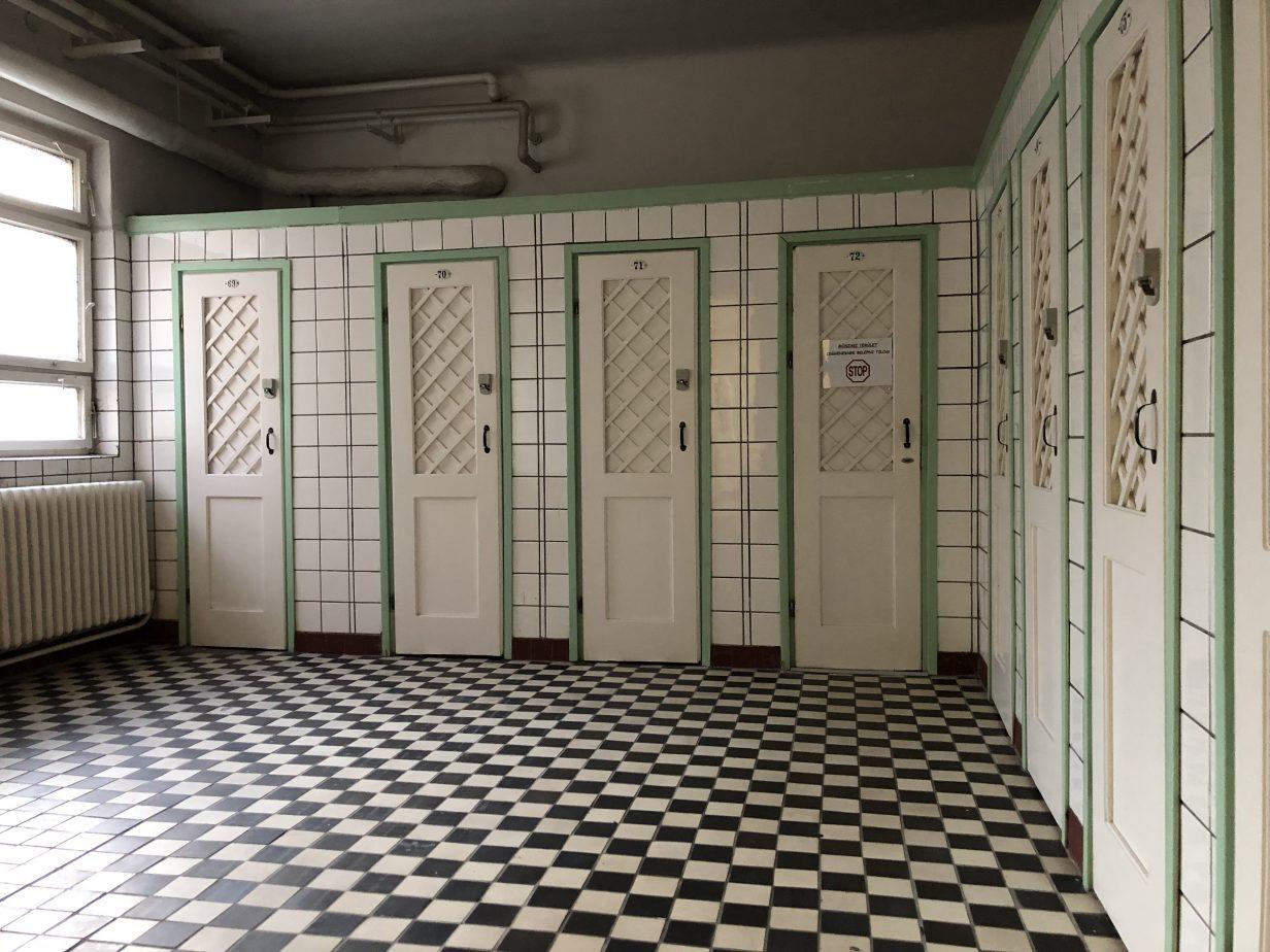 Les vestiaires des thermes de Kiraly