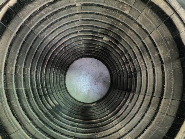 Vue à l'intérieur d'un tonneau