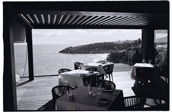 Une vue imprenable sur l'Océan depuis la salle du restaurant de l'hôtel de la Toubana
