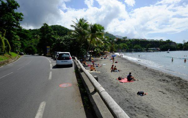 Malendure juste en face de la réserve Cousteau est une des plus belles plages de Guadeloupe