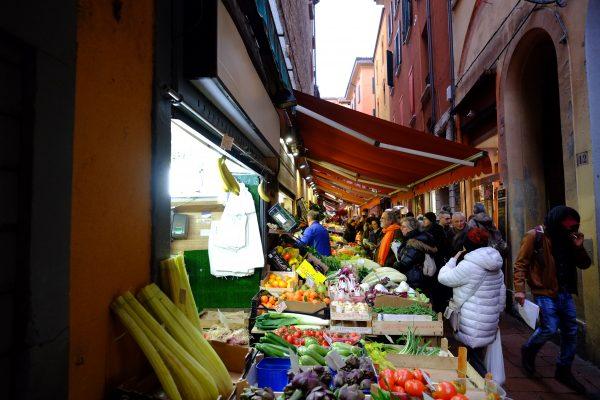 Le marché central de Bologne