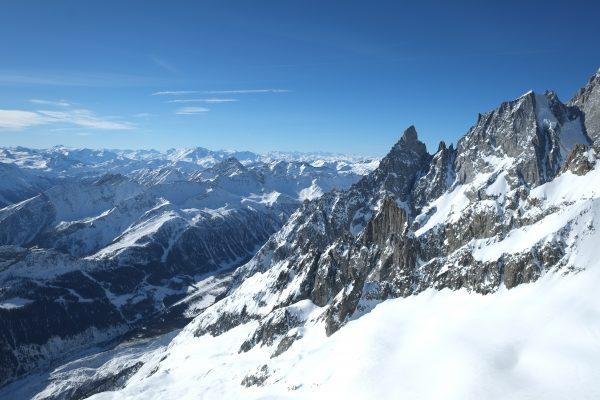 La vallée d'Aoste en hiver dans le nord de l'Italie