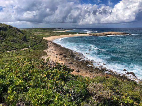 La pointe des châteaux à l'est de la Guadeloupe