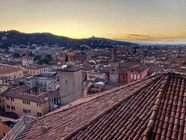 La vue depuis l'église San Petronio de Bologne