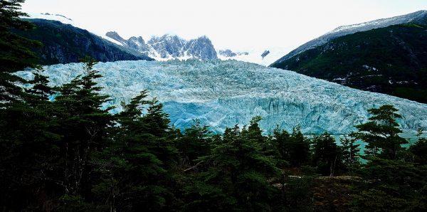 La couleur bleue du glacier de Pia