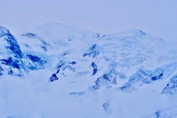 Un glacier dans le massif du Mont Blanc