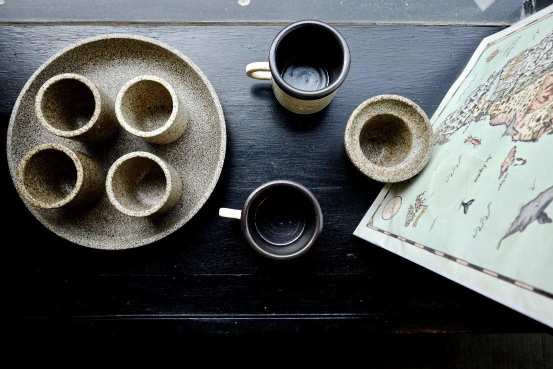 De jolies tasses fabriquées en Terre de Feu