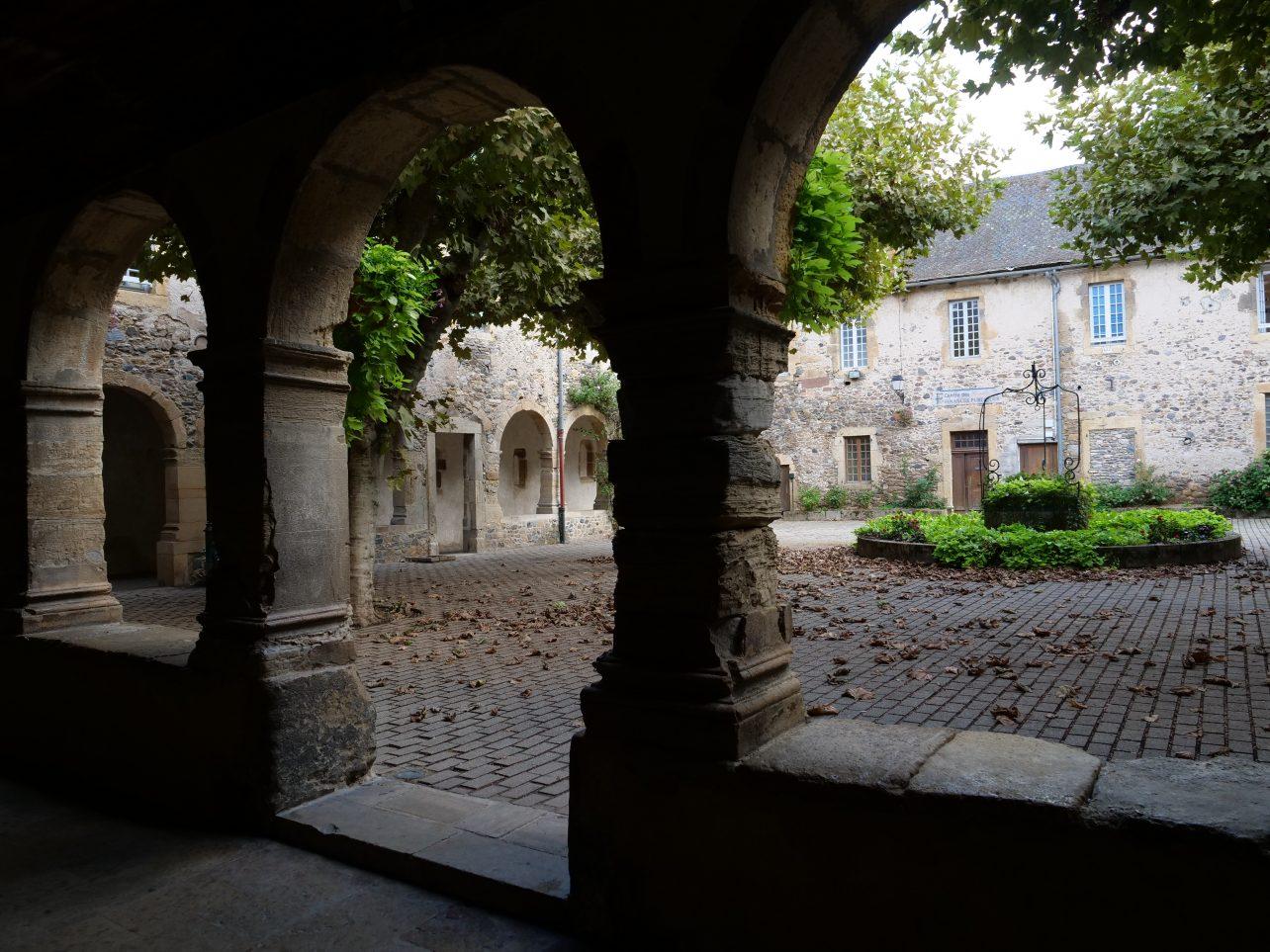 Saint-Geniez d'Olt fabuleux village