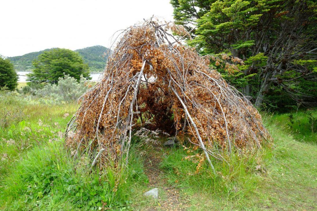Une hutte dans la baie de Wulaia