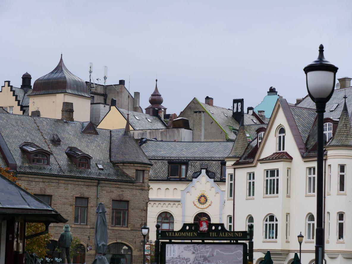 Vue sur les toits d'Alesund