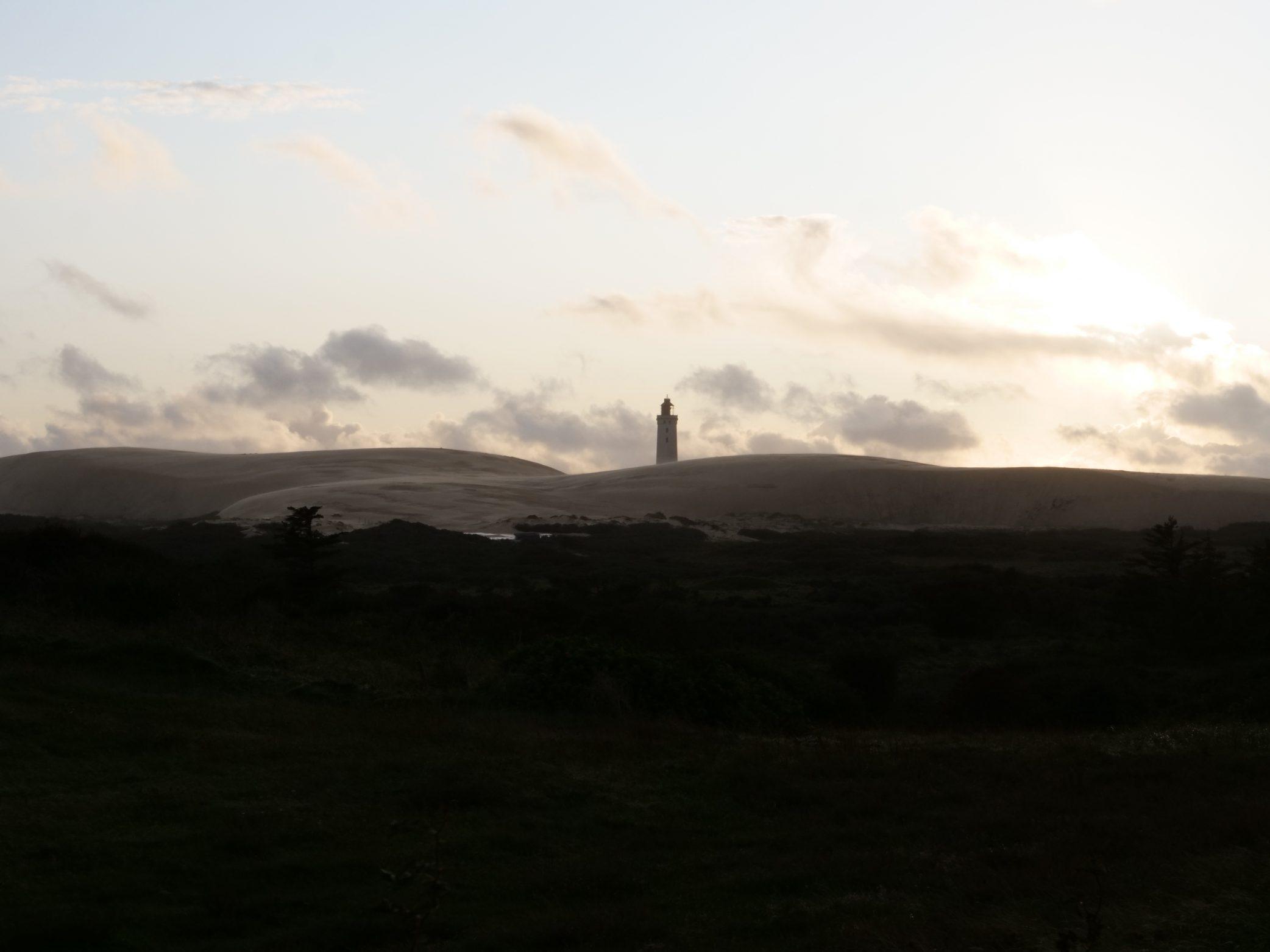 Un phare dans les lointains