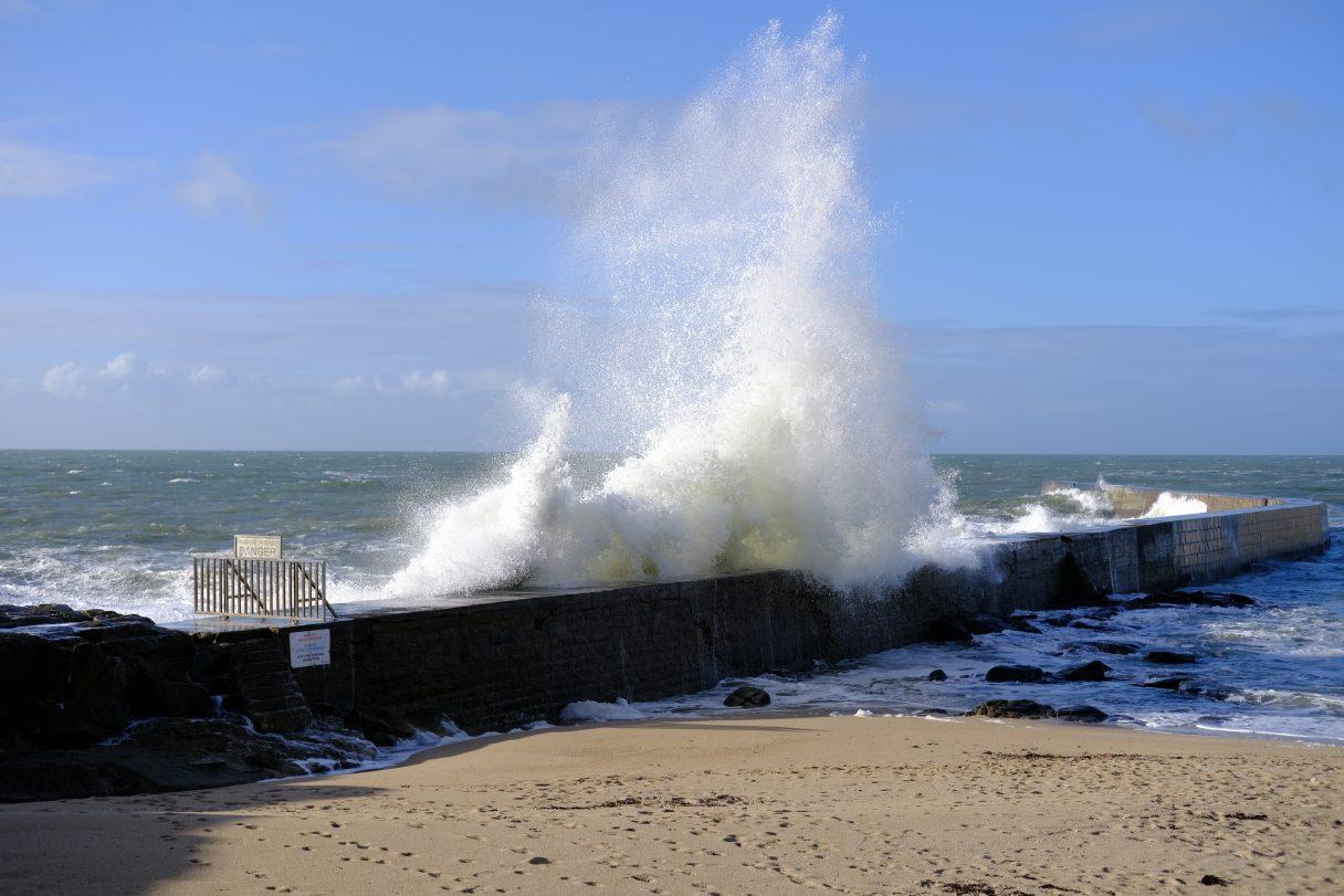 La digue de Batz sur mer en décembre