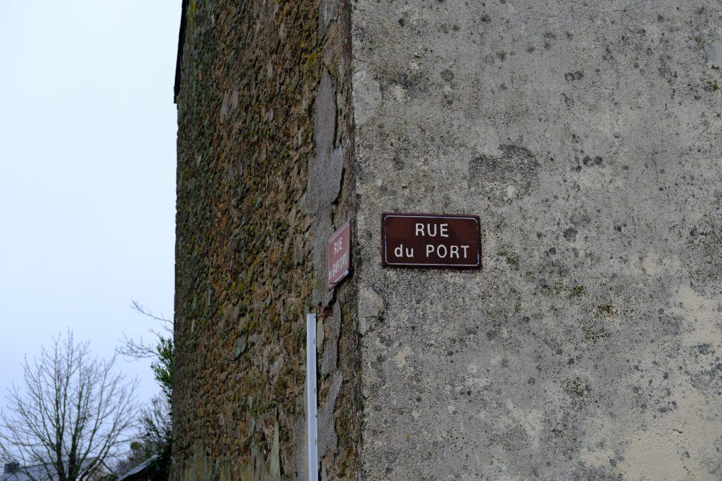 La rue du port à Lavau sur Loire