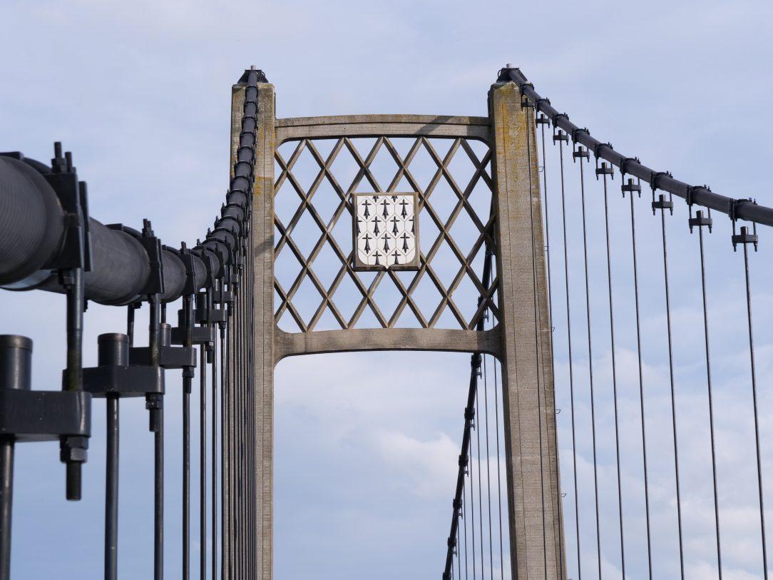 L'écusson de la Bretagne sur le pont d'Ancenis