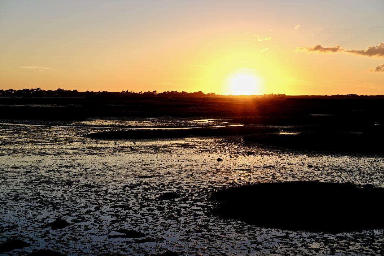 Un coucher de soleil sur le traict du Croisic à marée basse