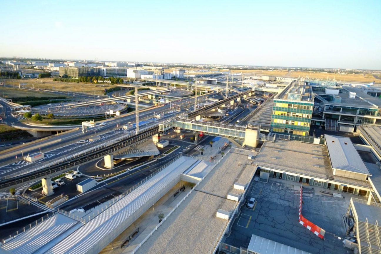 Une vue imprenable sur les installations aéroportuaires